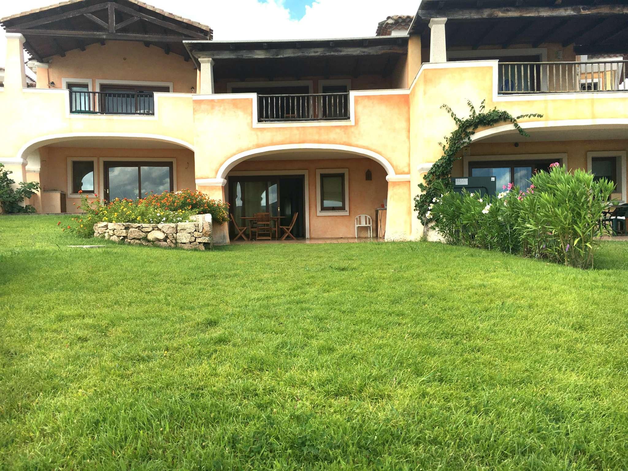 Appartamento trilocale in vendita a Arzachena (OT)