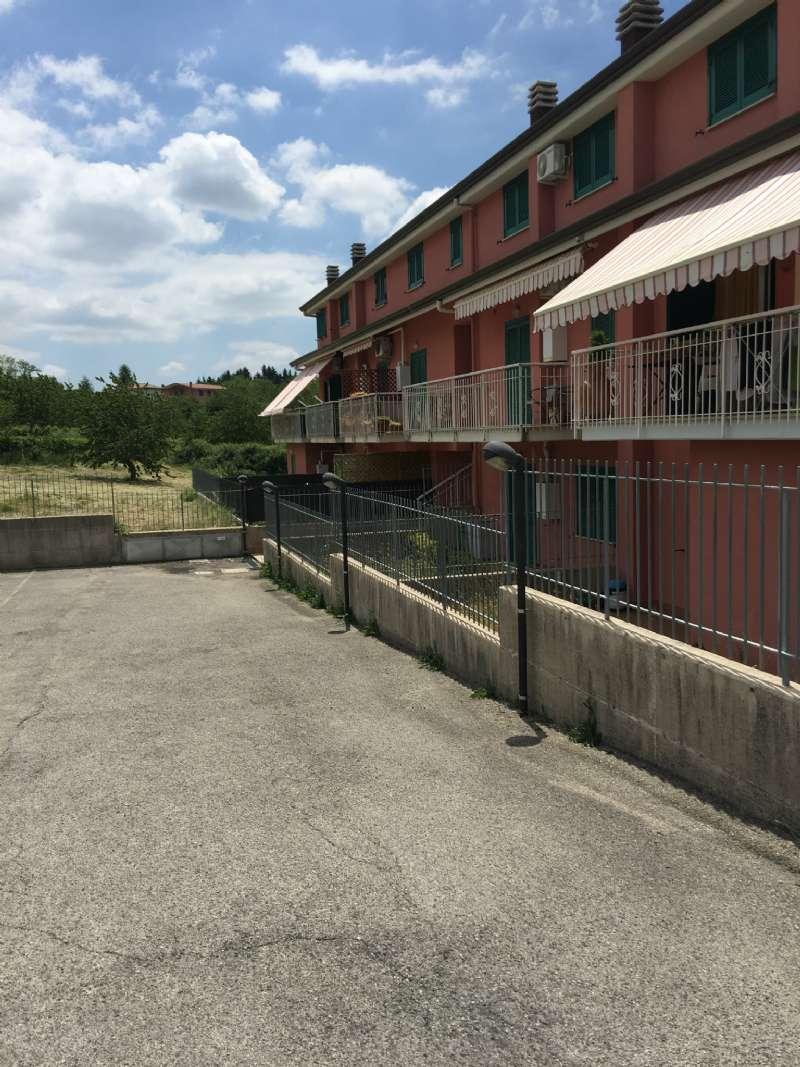 Quadrilocale su due livelli con balcone e posto auto , foto 18