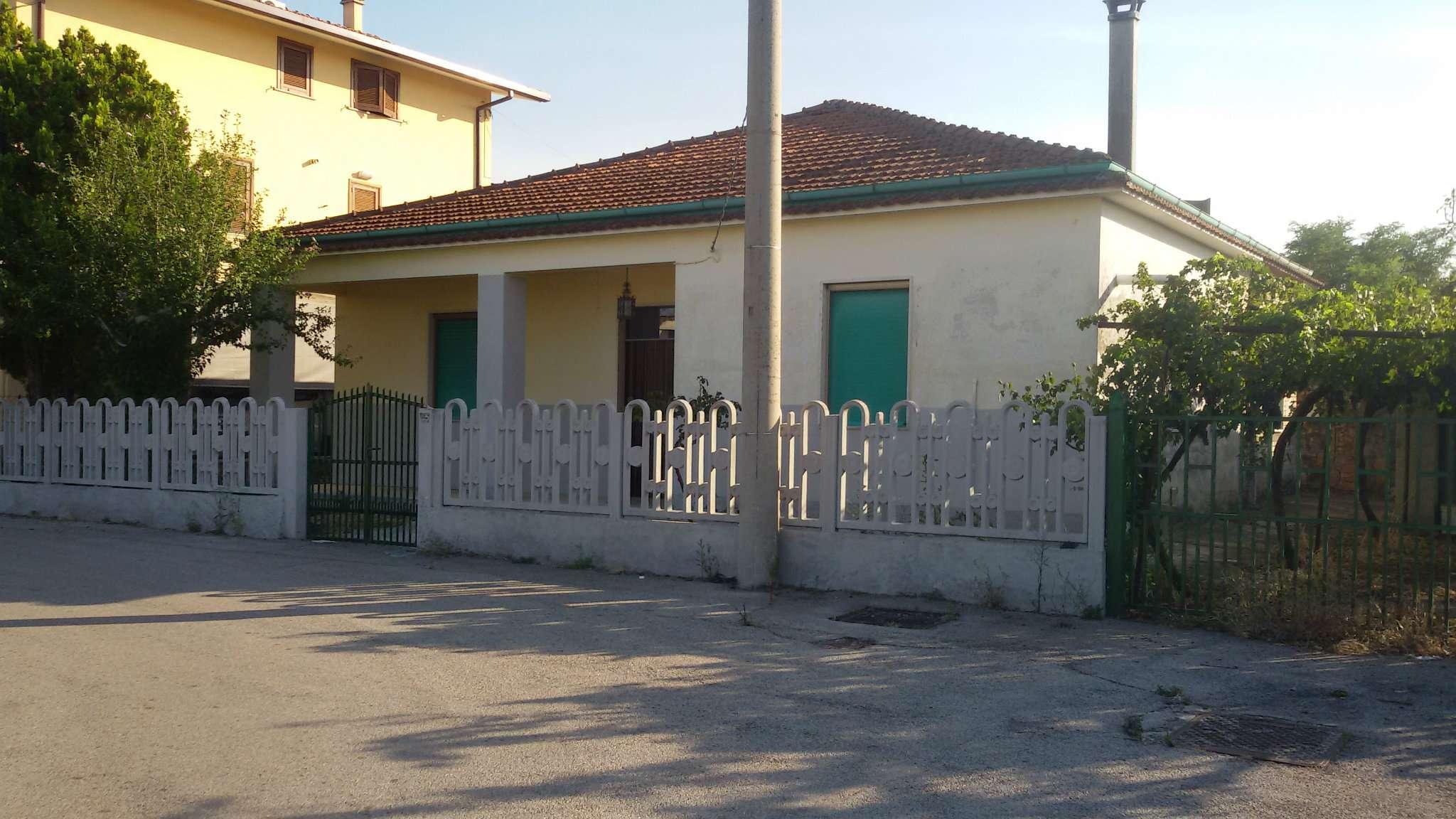 Casa singola con ampio terreno esclusivo