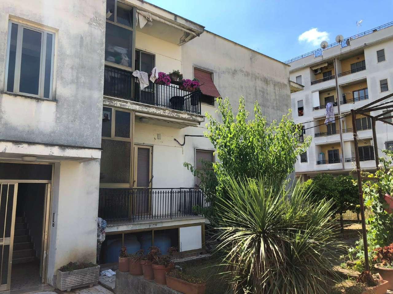 Ampio appartamento con piccolo giardino e garage, foto 15