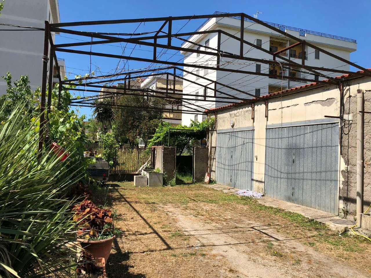 Ampio appartamento con piccolo giardino e garage, foto 13