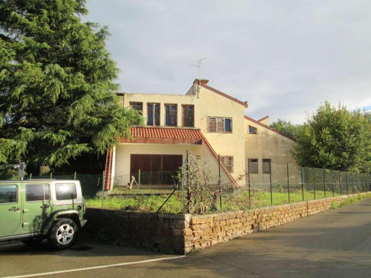 Villa A Tre Piani villa monofamiliare su tre piani con ampio giardino