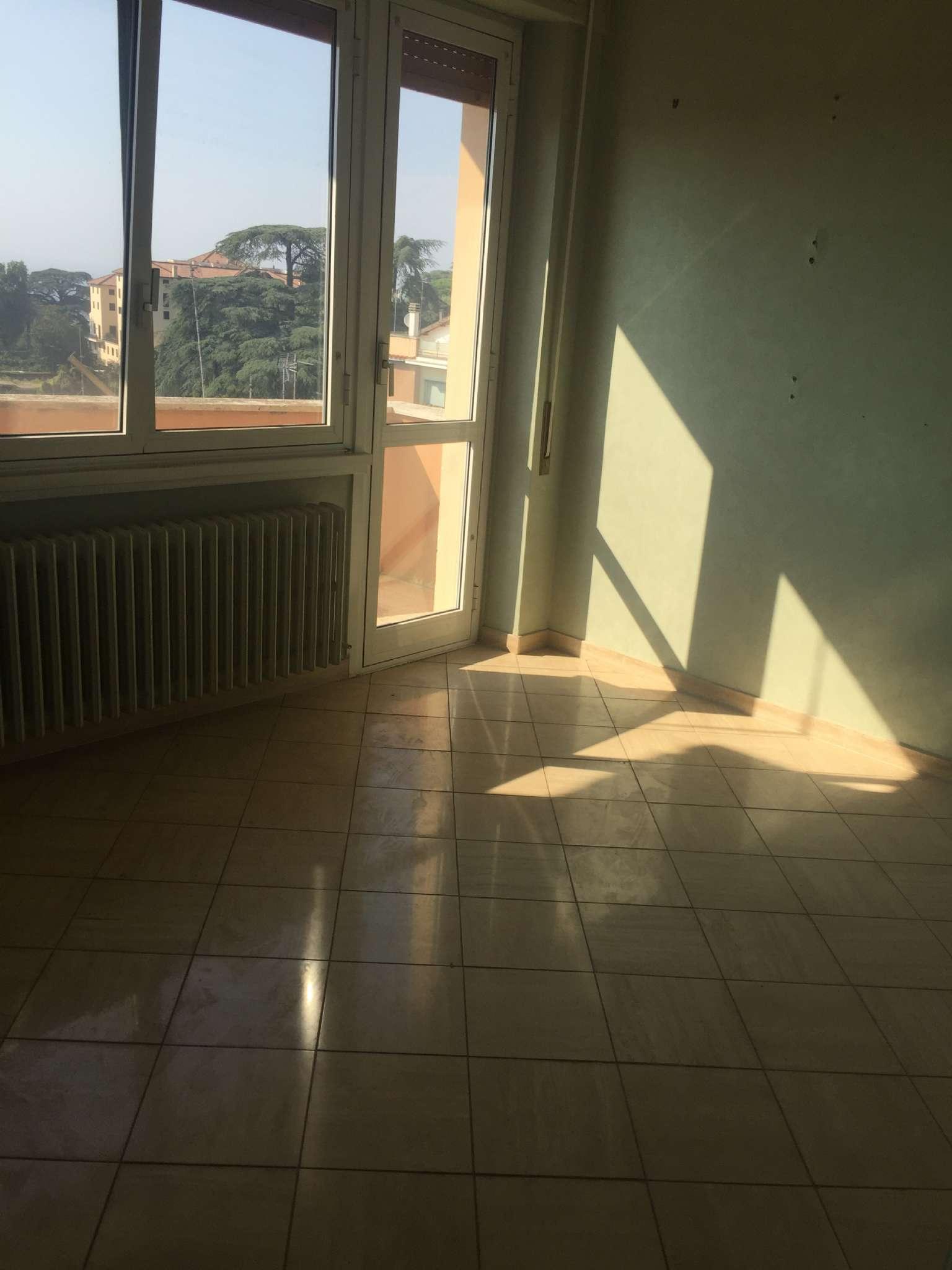 Appartamento da ristrutturare in vendita Rif. 7559543