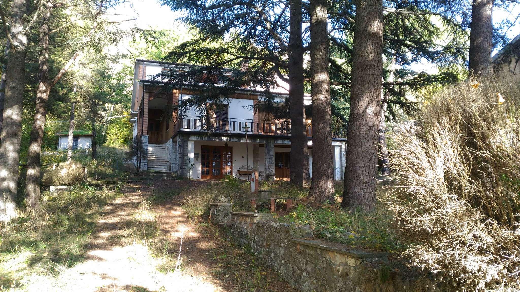 Villa in condizioni mediocri arredato in vendita Rif. 8444245