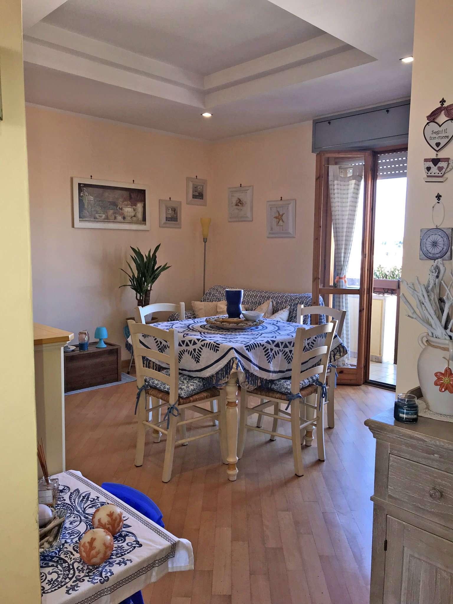 Appartamento in buone condizioni parzialmente arredato in vendita Rif. 8564658