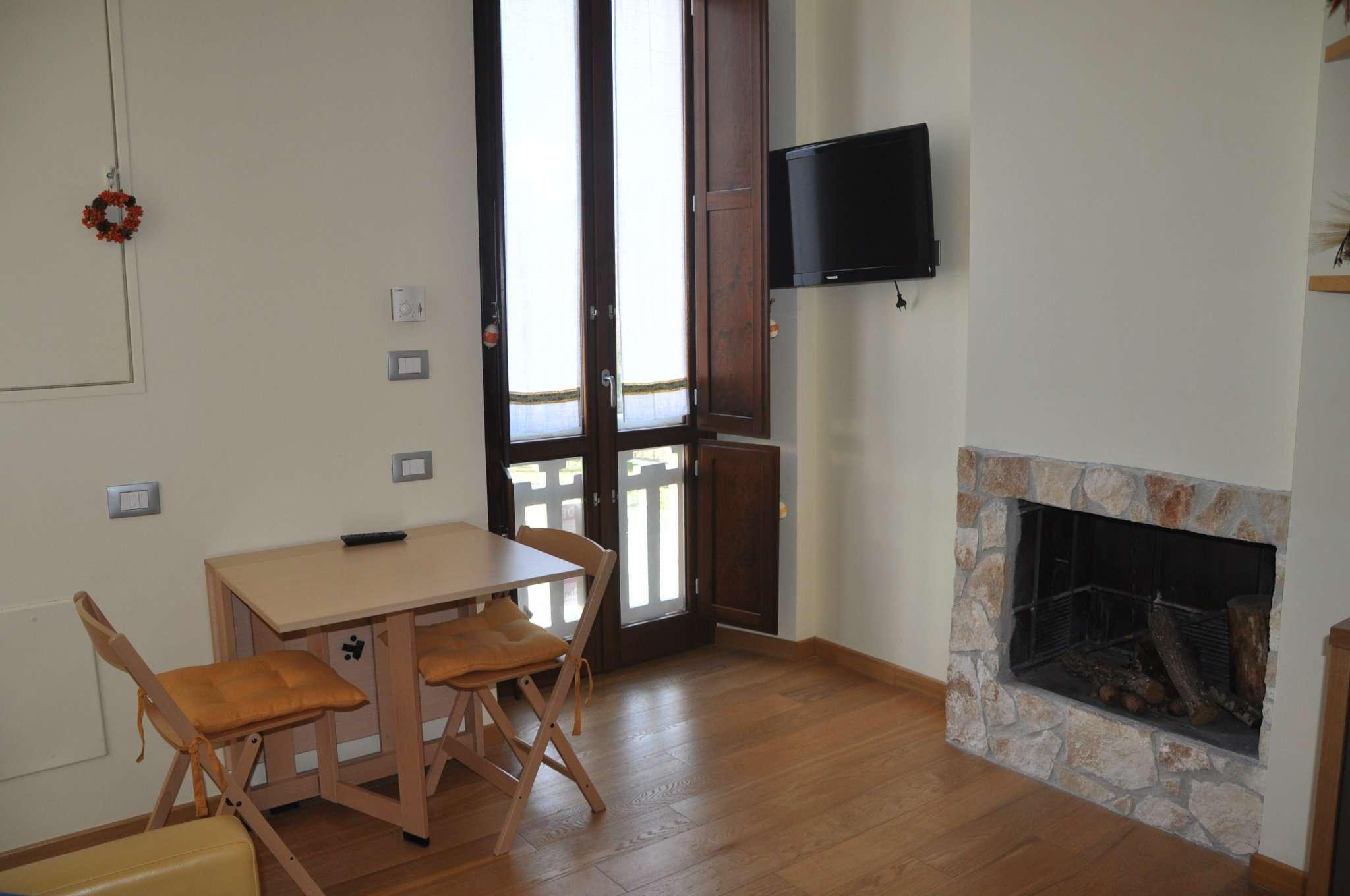 Appartamento in ottime condizioni arredato in vendita Rif. 8693439