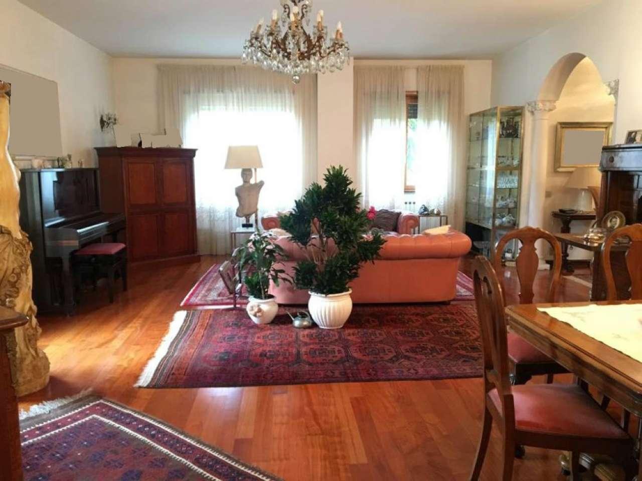 Villetta a schiera in ottime condizioni in vendita Rif. 9469804