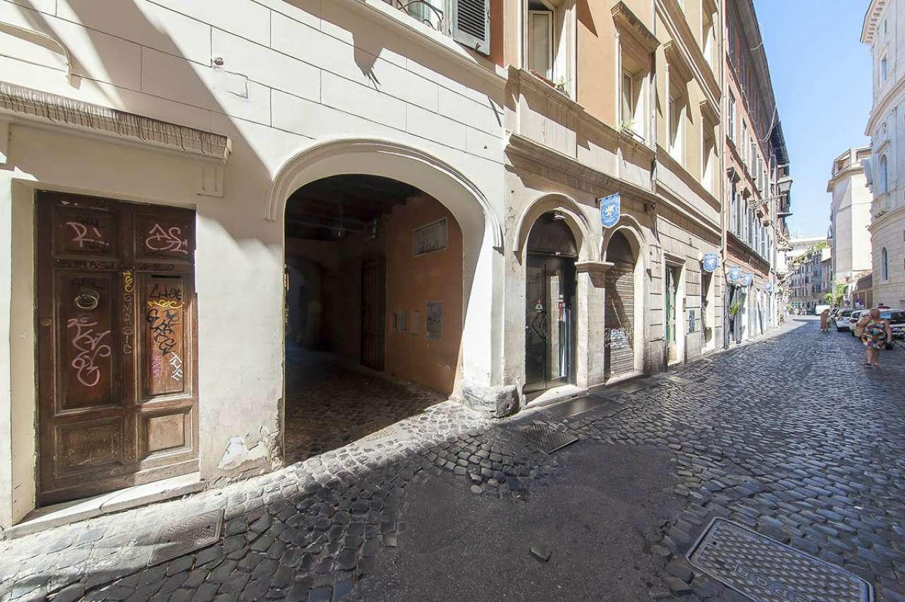 Locale commerciale, via Arco degli Acetari, Centro storico-Campo de' Fiori, Roma, foto 2
