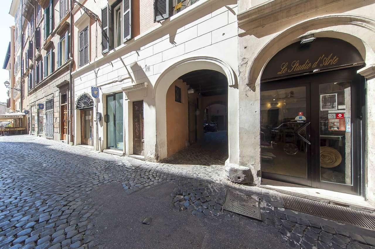 Locale commerciale, via Arco degli Acetari, Centro storico-Campo de' Fiori, Roma, foto 3