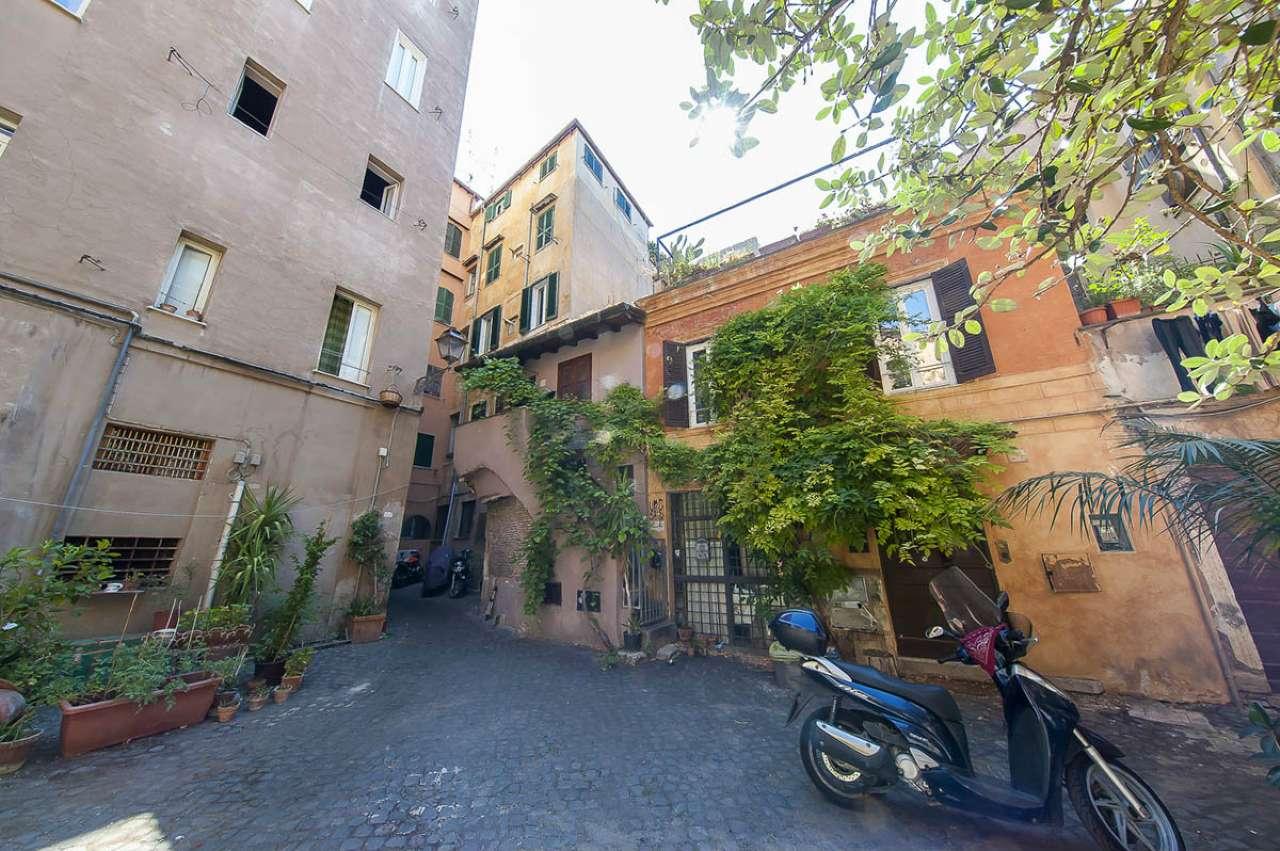Locale commerciale, via Arco degli Acetari, Centro storico-Campo de' Fiori, Roma, foto 9