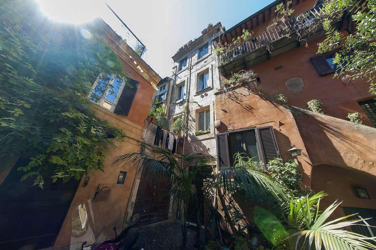 Locale commerciale, via Arco degli Acetari, Centro storico-Campo de' Fiori, Roma, foto 7