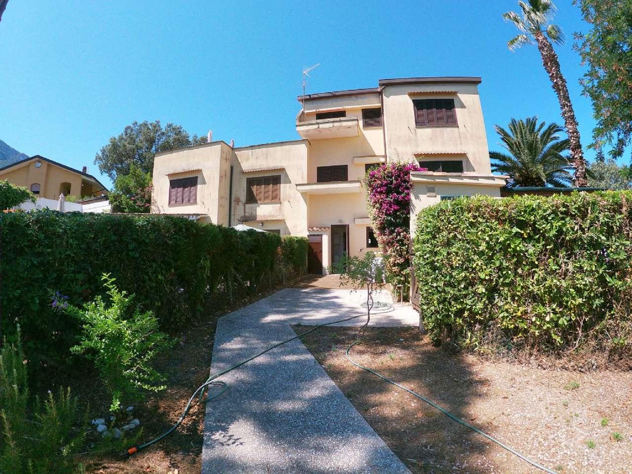 Sabaudia - Villino in residence a pochi passi da Torre Paola, foto 0