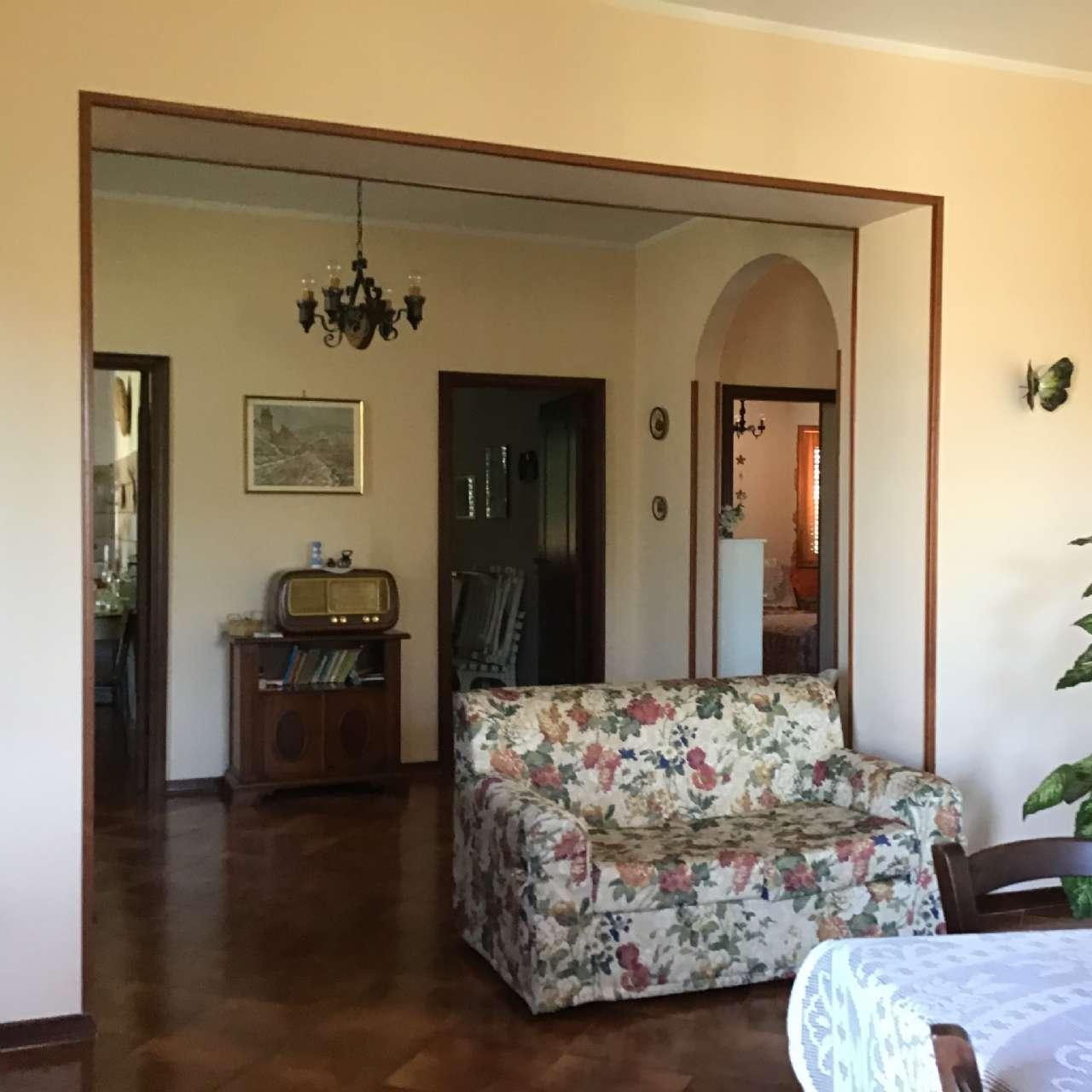 Villa, Via Spiughe, Località Rocca di Bonifacio,Torre Cajetani, foto 5