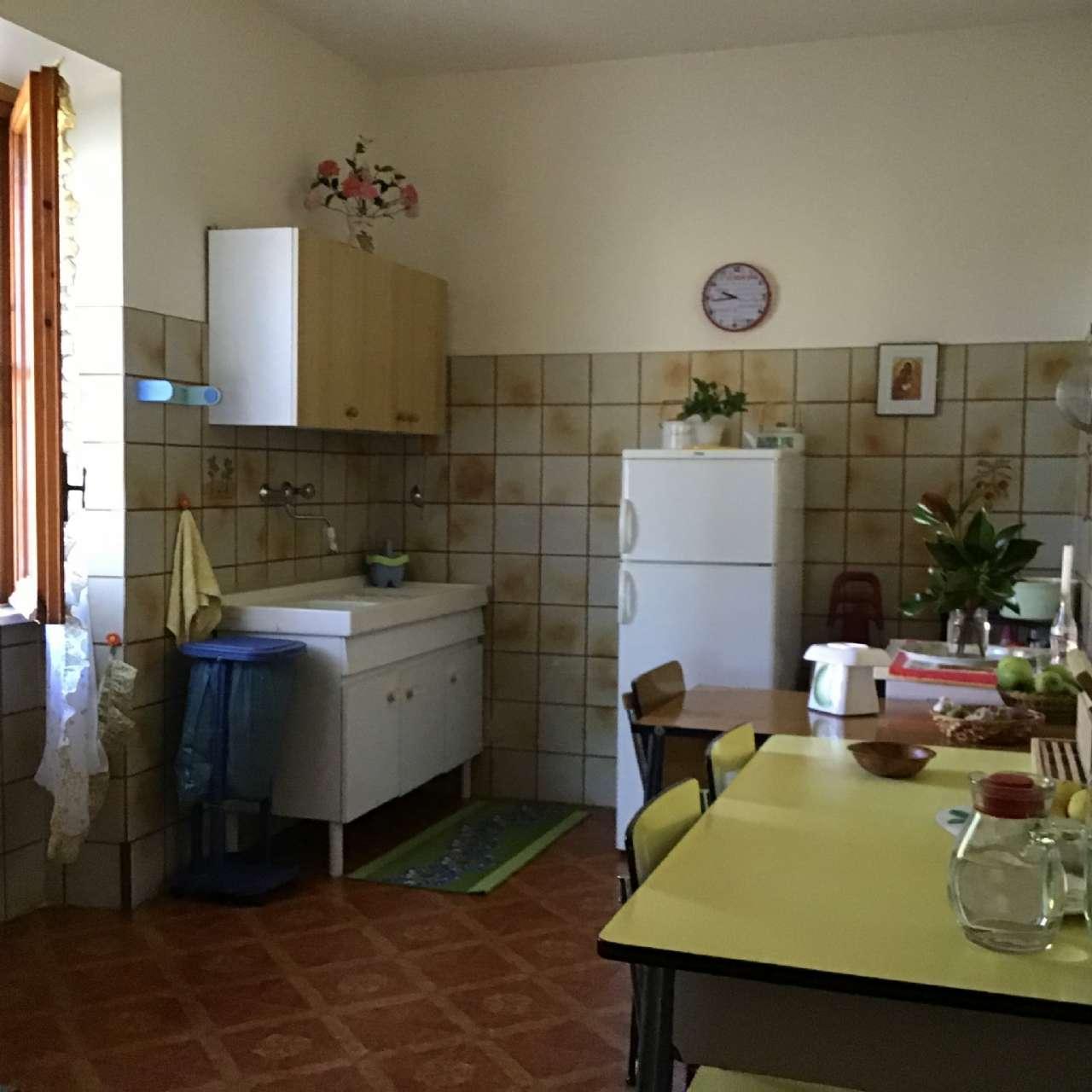 Villa, Via Spiughe, Località Rocca di Bonifacio,Torre Cajetani, foto 7