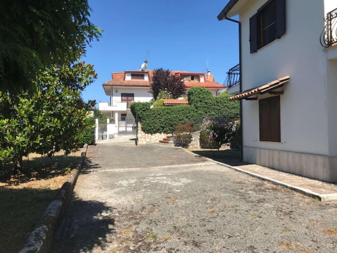 Villa, Via Spiughe, Località Rocca di Bonifacio,Torre Cajetani, foto 1