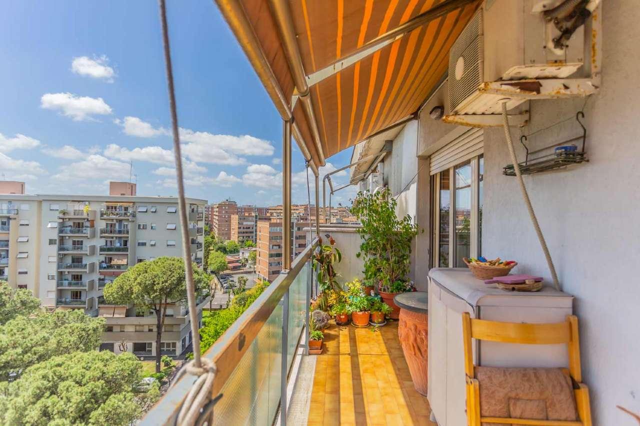 Ampio trilocale con balcone e cantina, Via Pescosodlido, Pietralata, foto 1