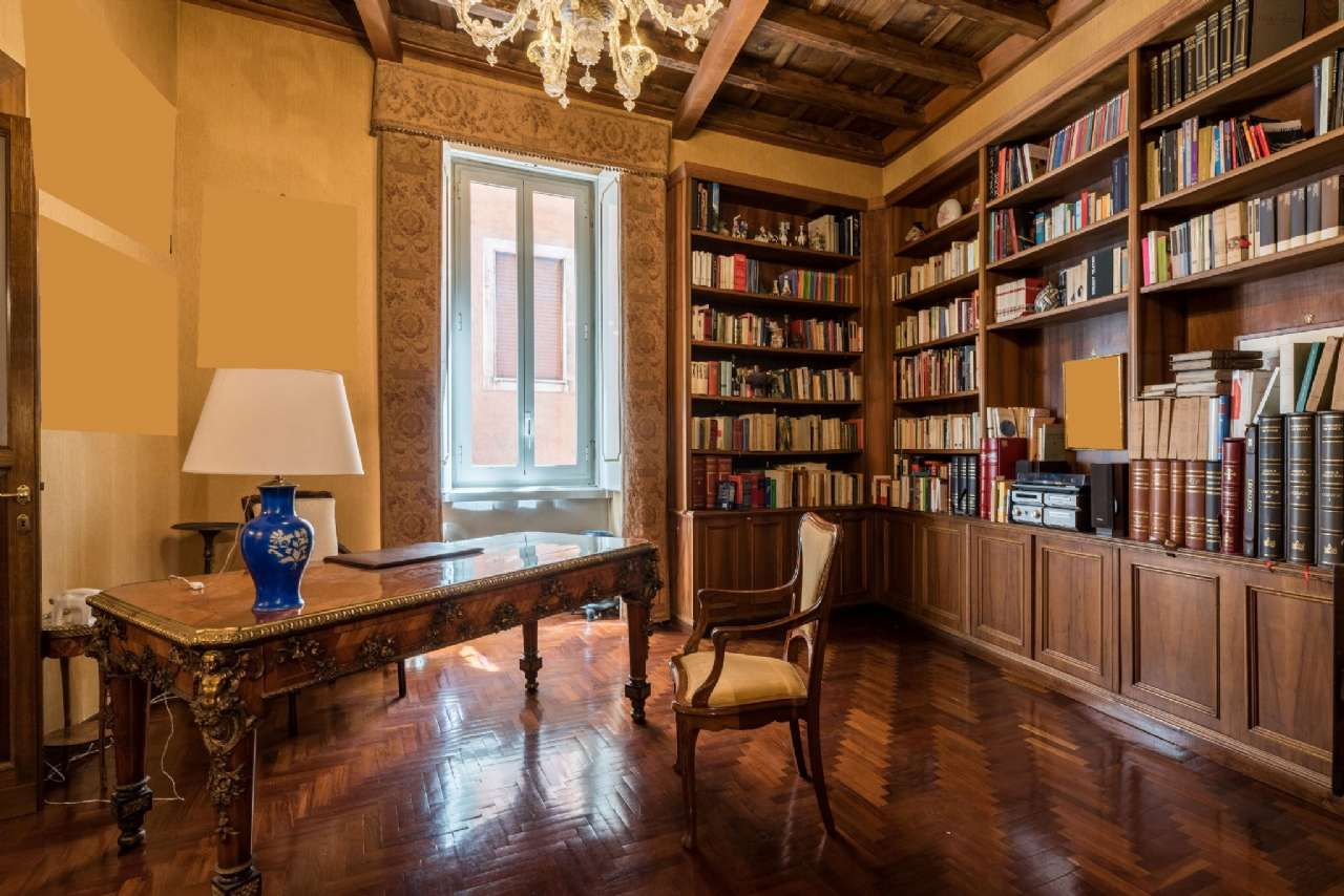 Appartamento, Via del Collegio Capranica, adiacente al Pantheon, Roma, foto 10