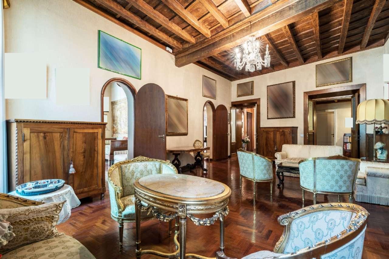 Appartamento, Via del Collegio Capranica, adiacente al Pantheon, Roma, foto 2