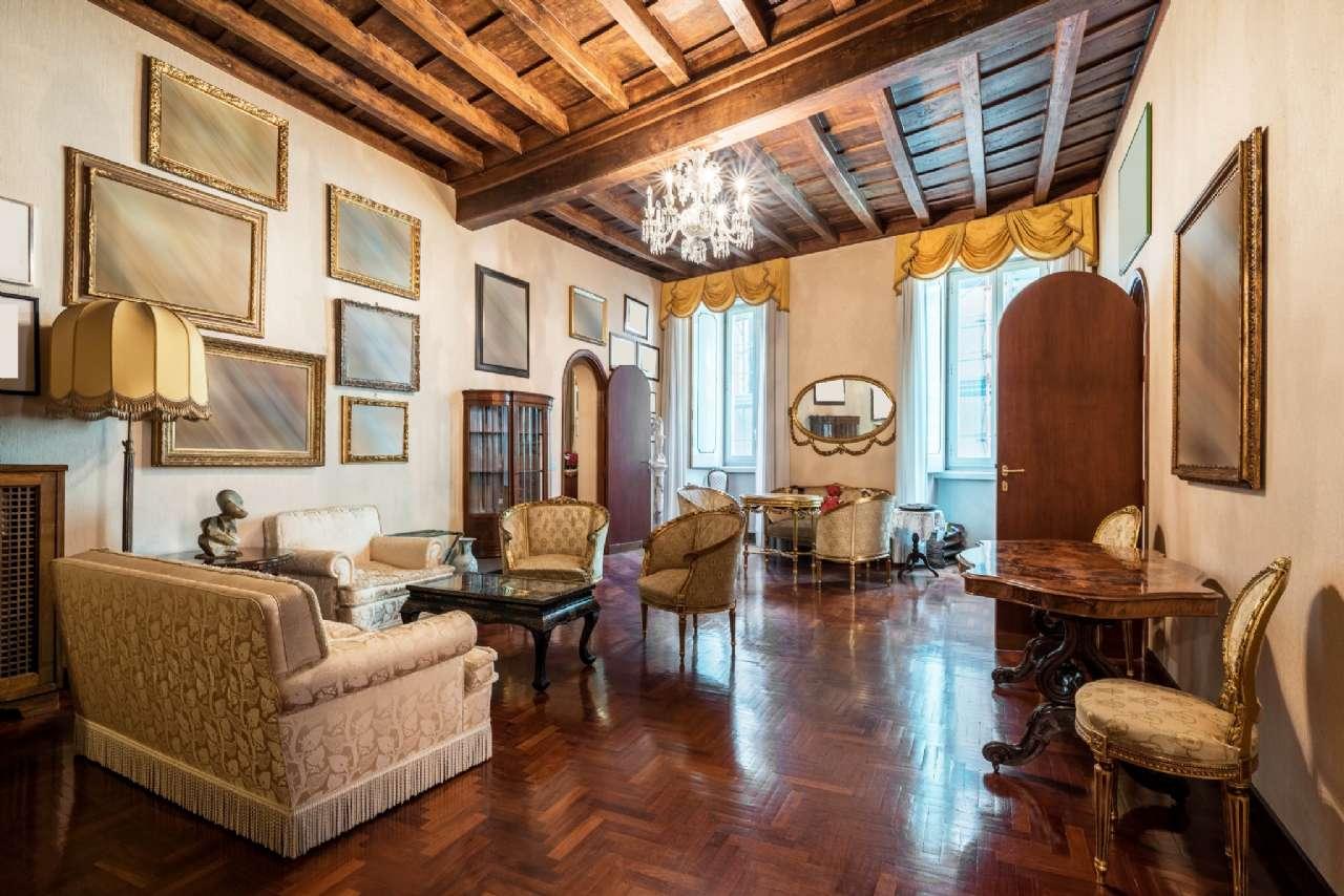 Appartamento, Via del Collegio Capranica, adiacente al Pantheon, Roma, foto 0