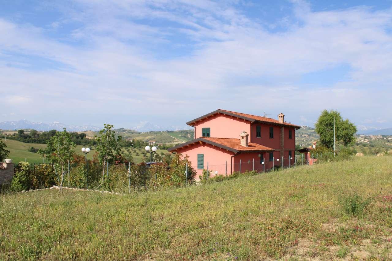 Villa, Via Santa Croce, Notaresco, foto 1