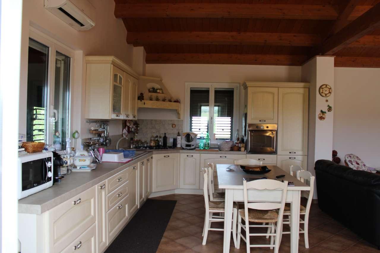 Villa, Via Santa Croce, Notaresco, foto 6