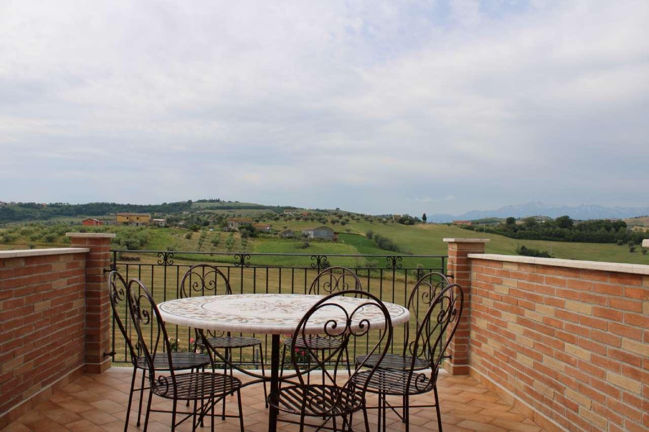 Villa, Via Santa Croce, Notaresco, foto 12