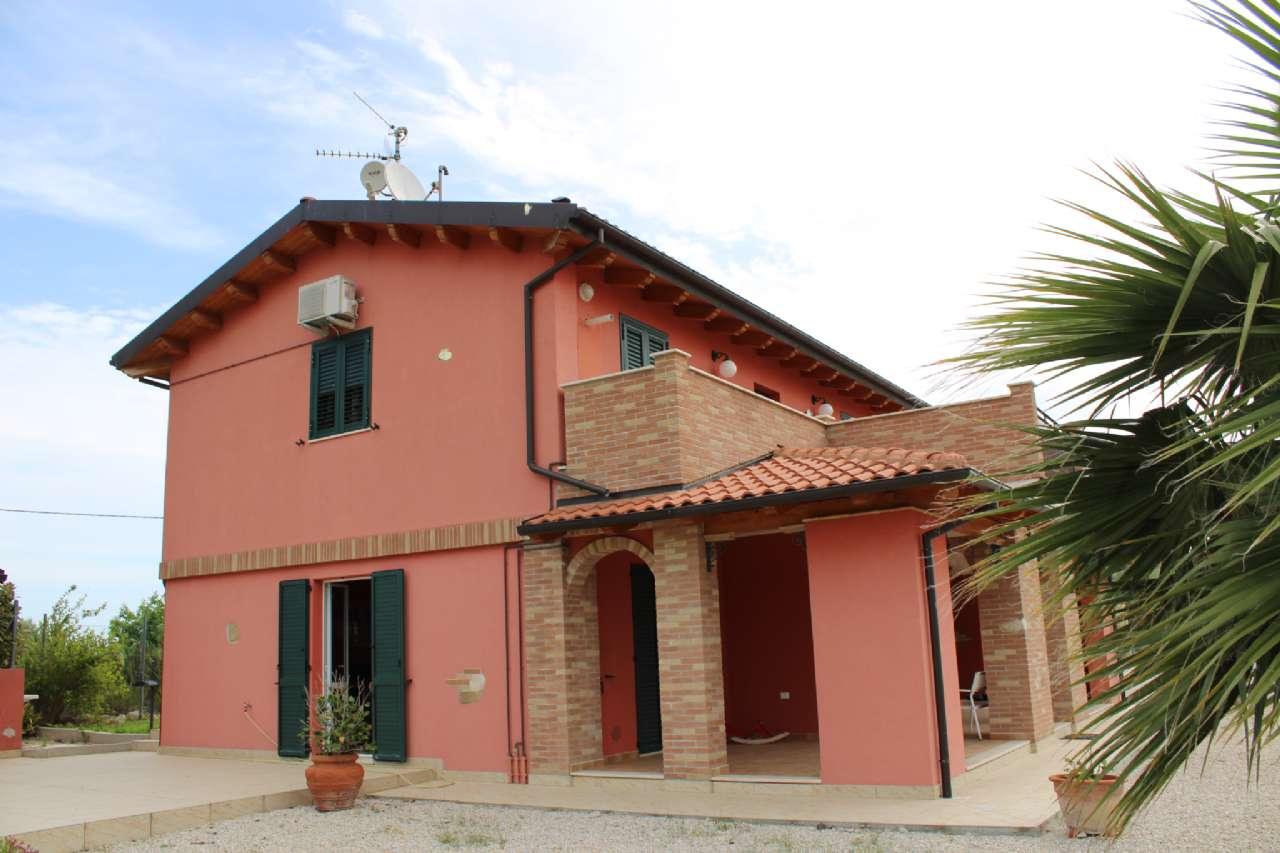 Villa, Via Santa Croce, Notaresco, foto 17