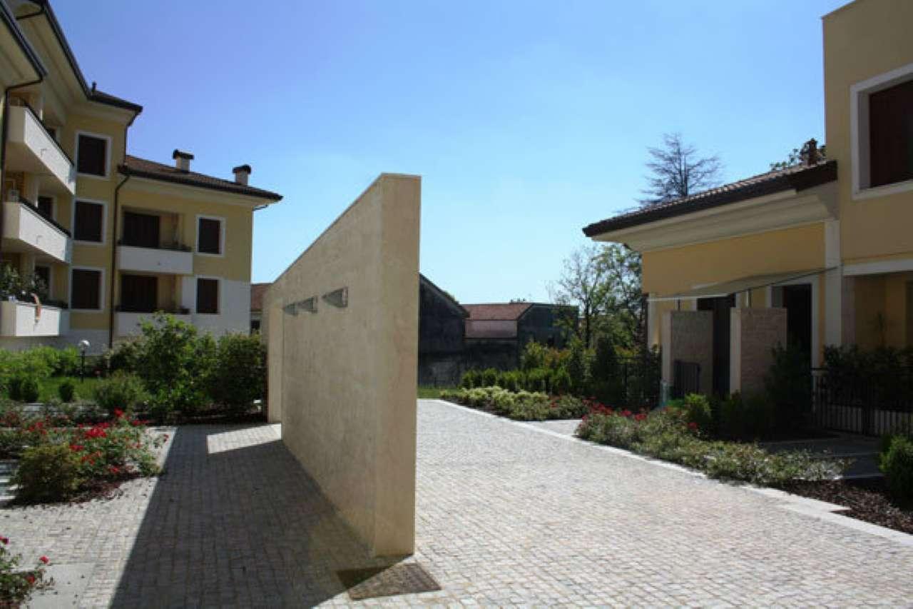 Bilocale Giussano Via Monte San Michele 8