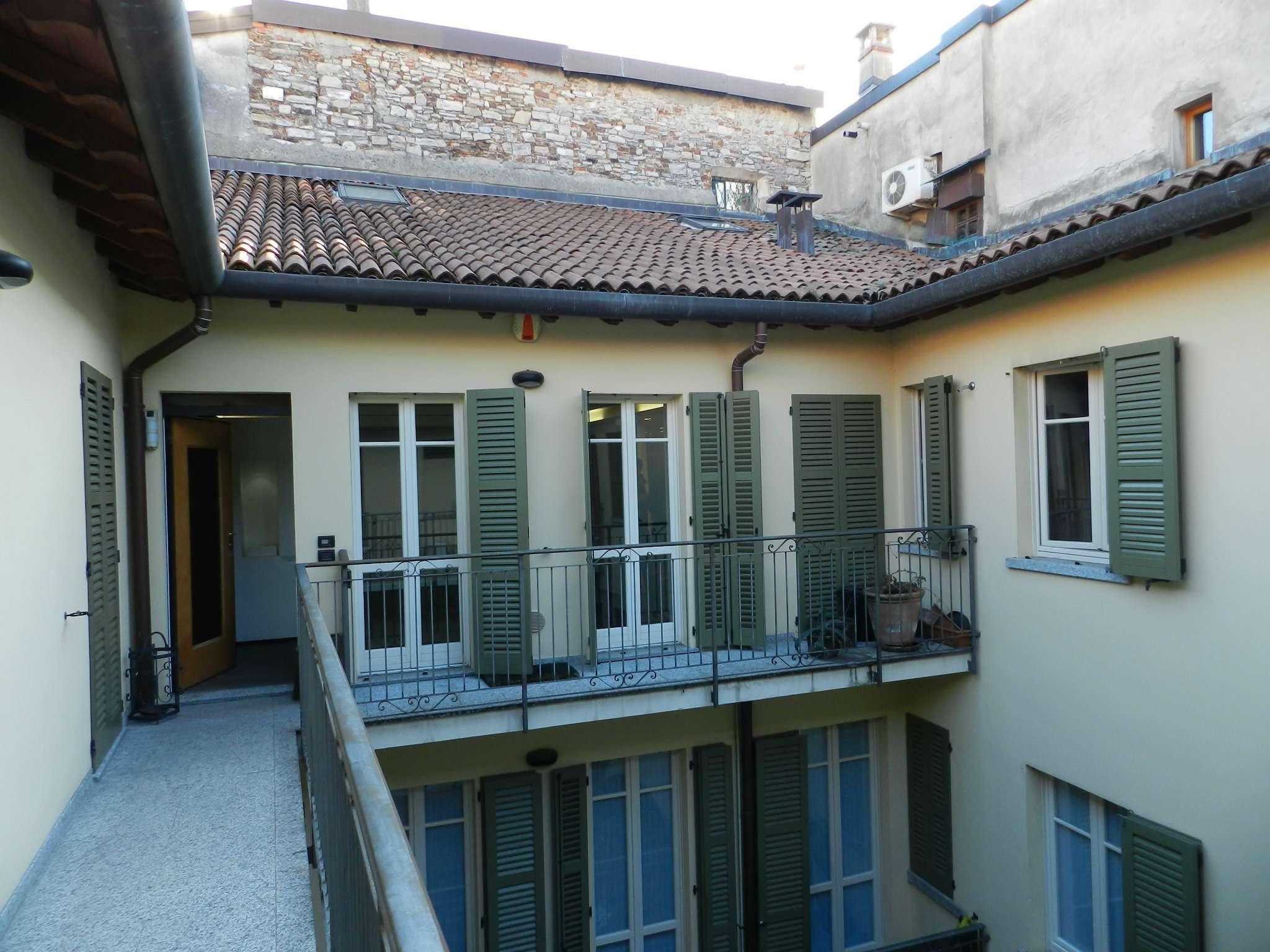 Appartamento trilocale in vendita a Como (CO)