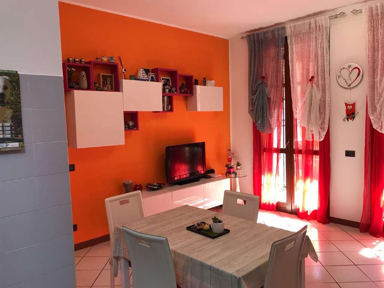 Appartamento in ottime condizioni in vendita Rif. 7005523