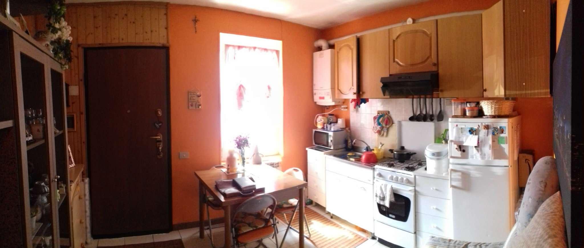 Appartamento ristrutturato parzialmente arredato in vendita Rif. 6830848