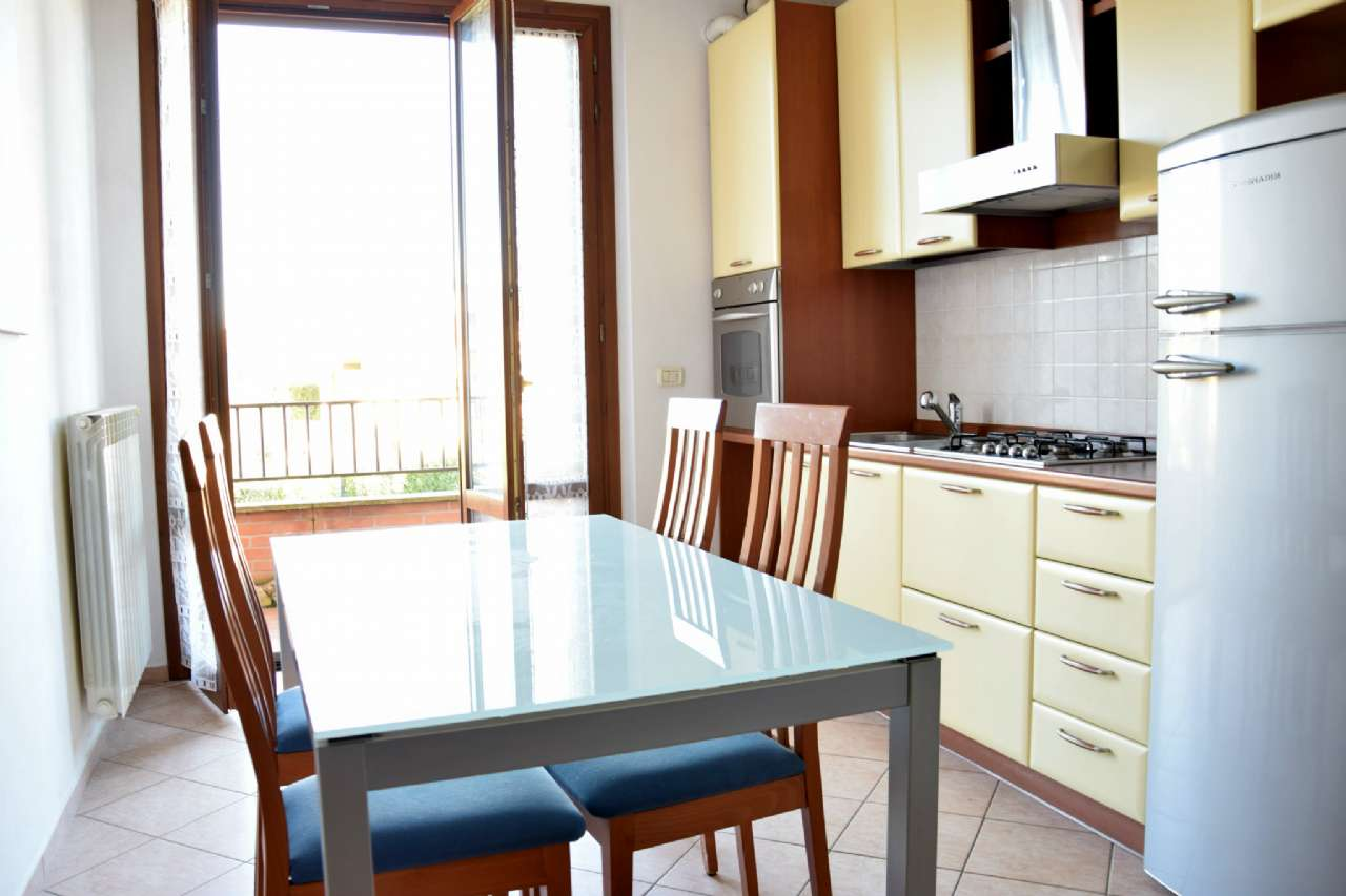 Appartamento in buone condizioni in vendita Rif. 8939375