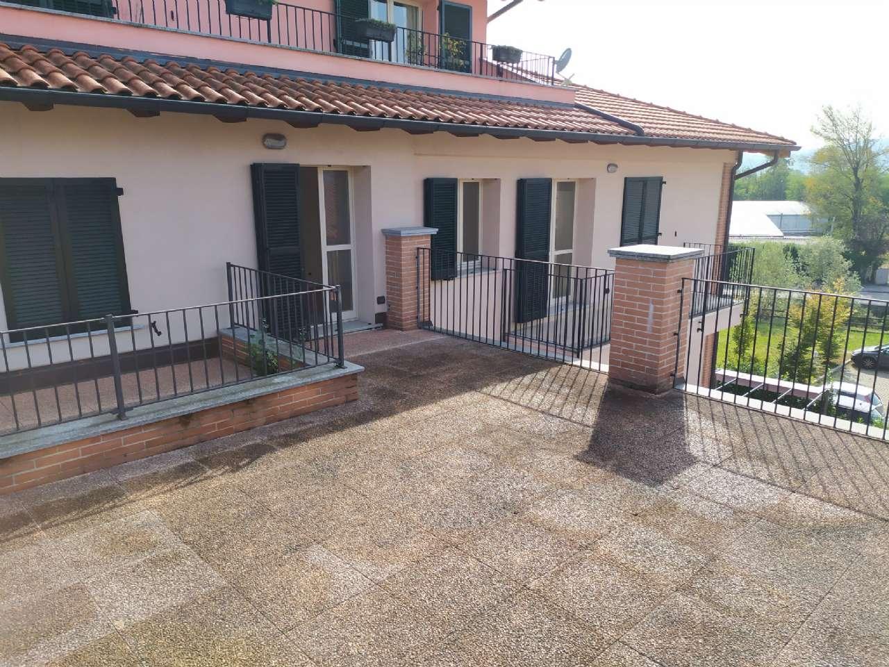 Lissago - Calcinate - Trilocale con grande terrazzo e box, foto 1