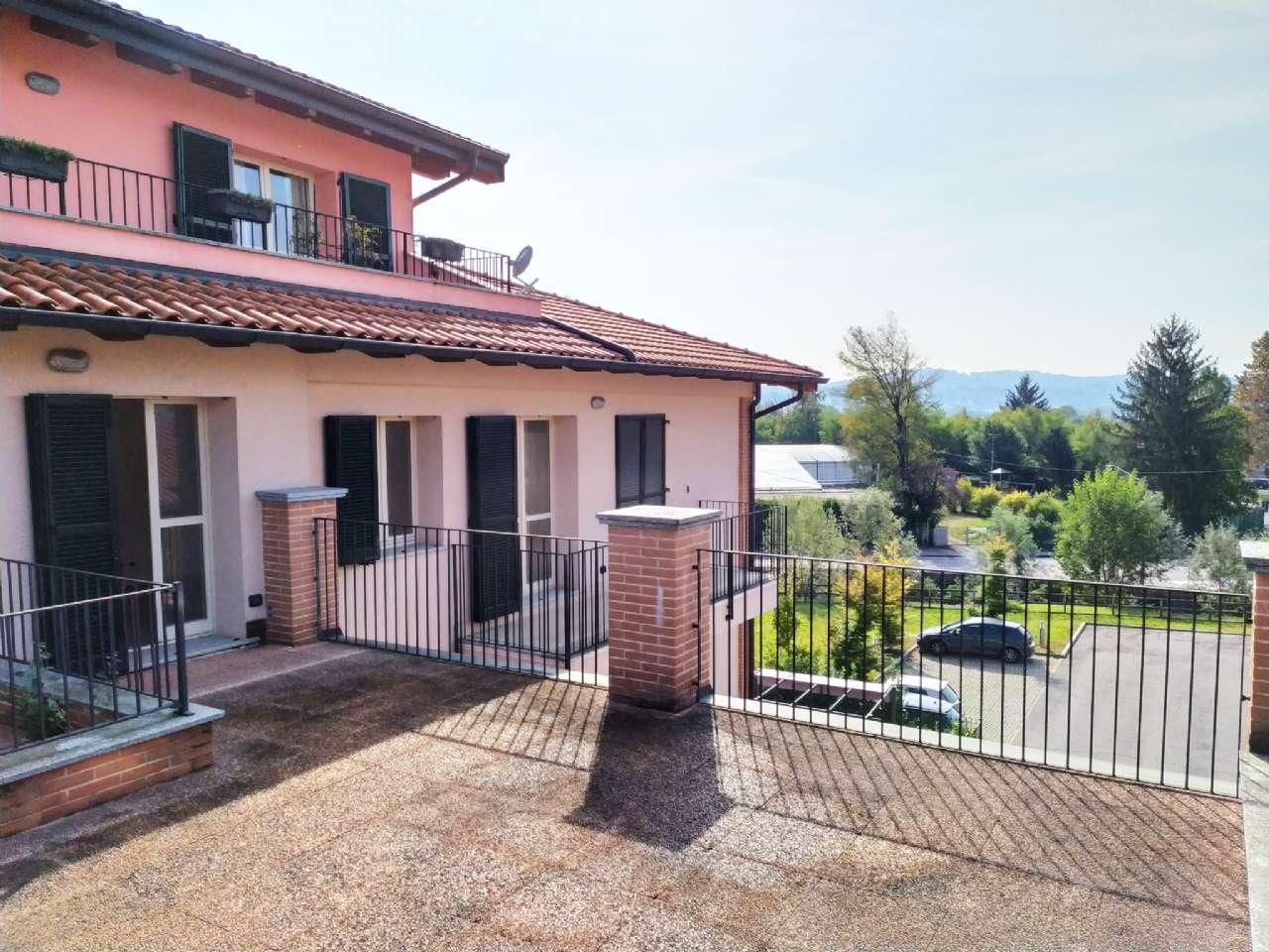 Lissago - Calcinate - Trilocale con grande terrazzo e box, foto 0