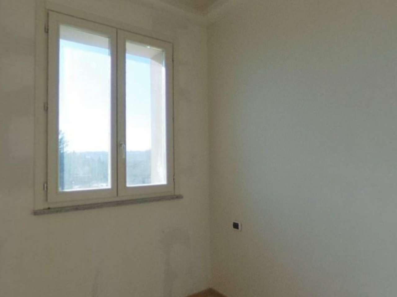 Lissago - Calcinate - Trilocale con grande terrazzo e box, foto 6