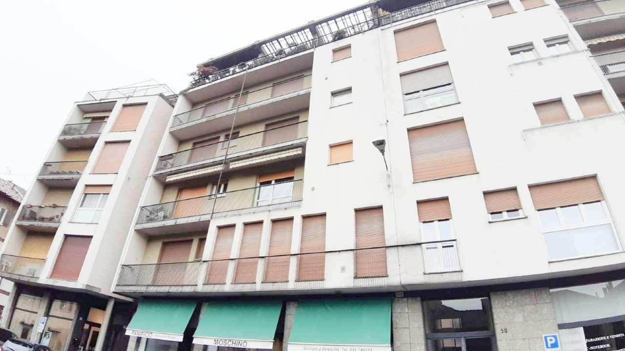 Appartamento con balconi e cantina, foto 8