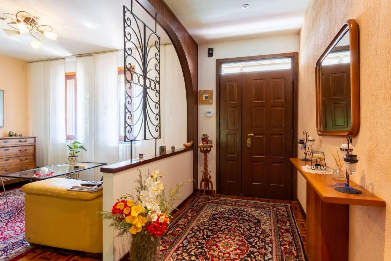 Carimate - Prestigiosa villa nel residenziale del Golf, foto 19