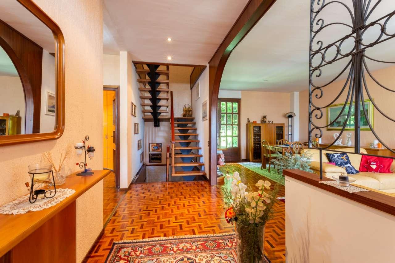 Carimate - Prestigiosa villa nel residenziale del Golf, foto 6