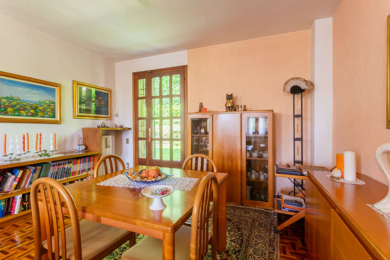 Carimate - Prestigiosa villa nel residenziale del Golf, foto 3