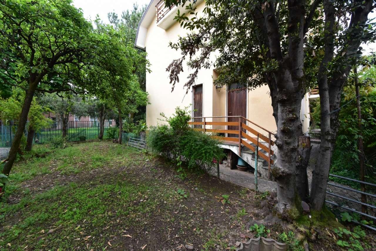 Villa trifamiliare, Via Simone Martini, Centro, Pioltello, foto 18
