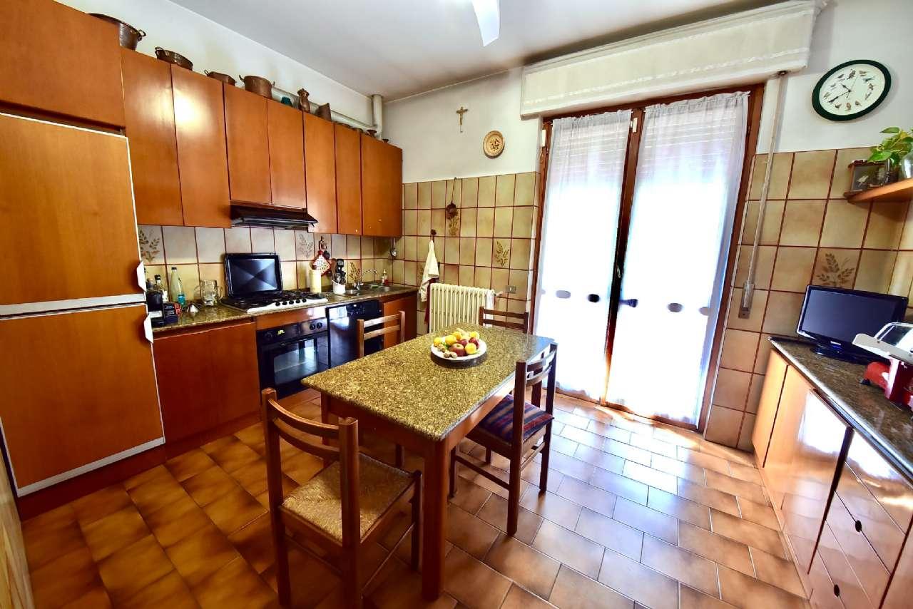 Villa trifamiliare, Via Simone Martini, Centro, Pioltello, foto 4