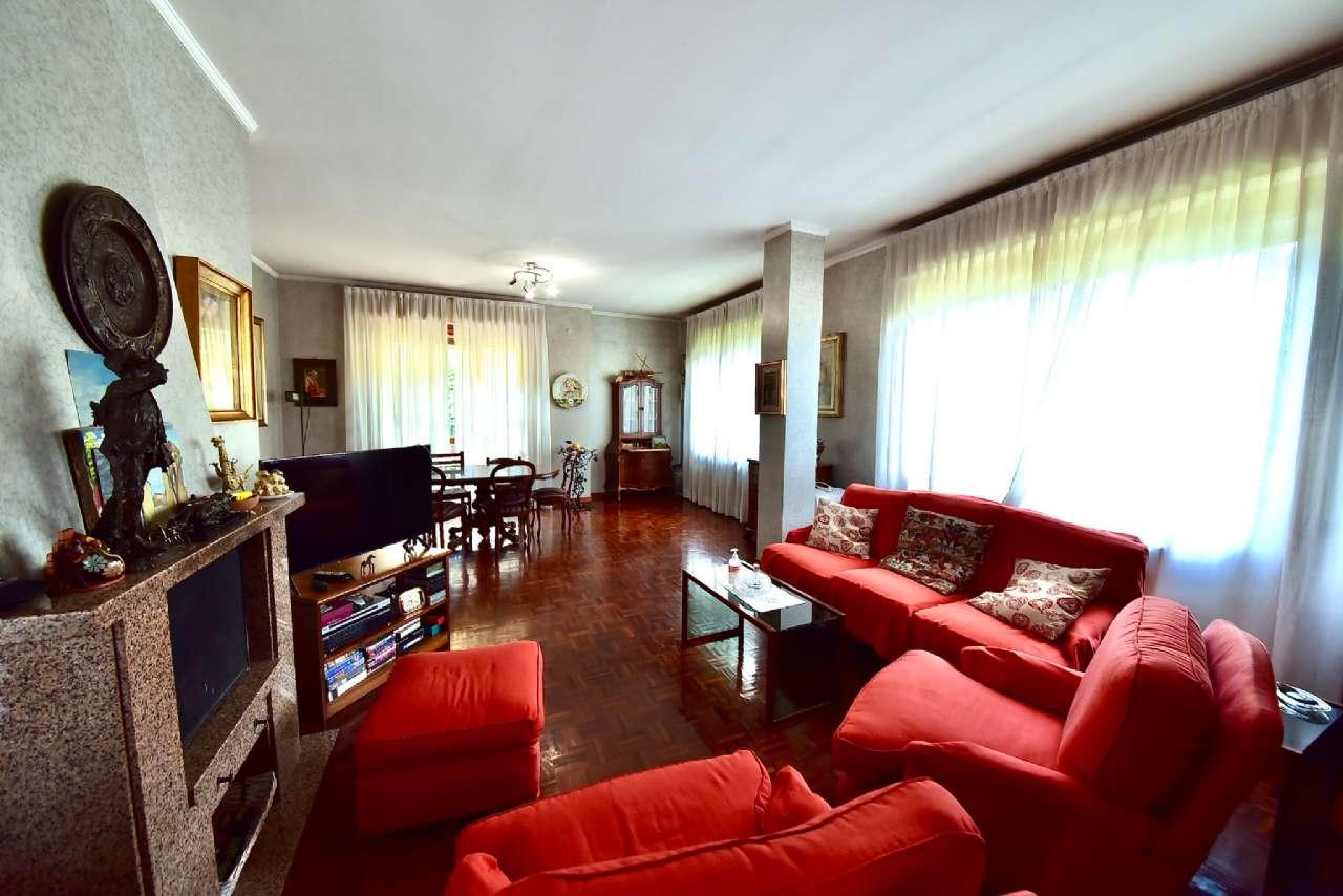 Villa trifamiliare, Via Simone Martini, Centro, Pioltello, foto 0