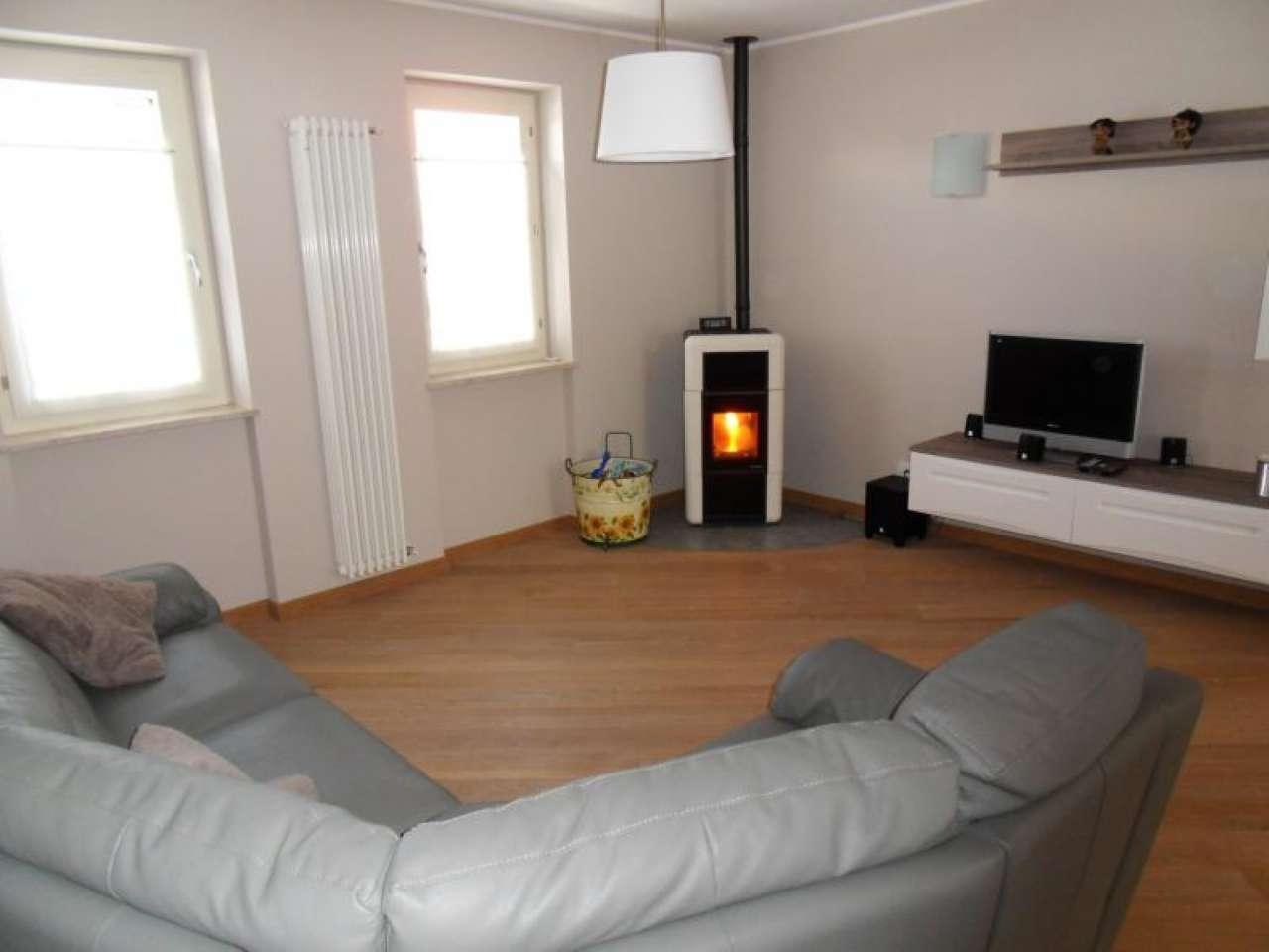 Appartamento in ottime condizioni in vendita Rif. 8066574