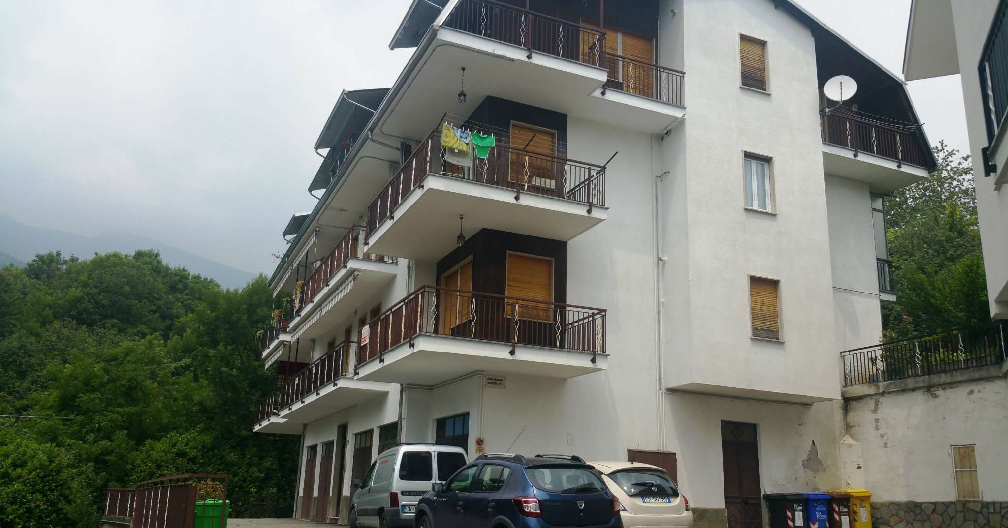 Appartamento in discrete condizioni in vendita Rif. 7934927