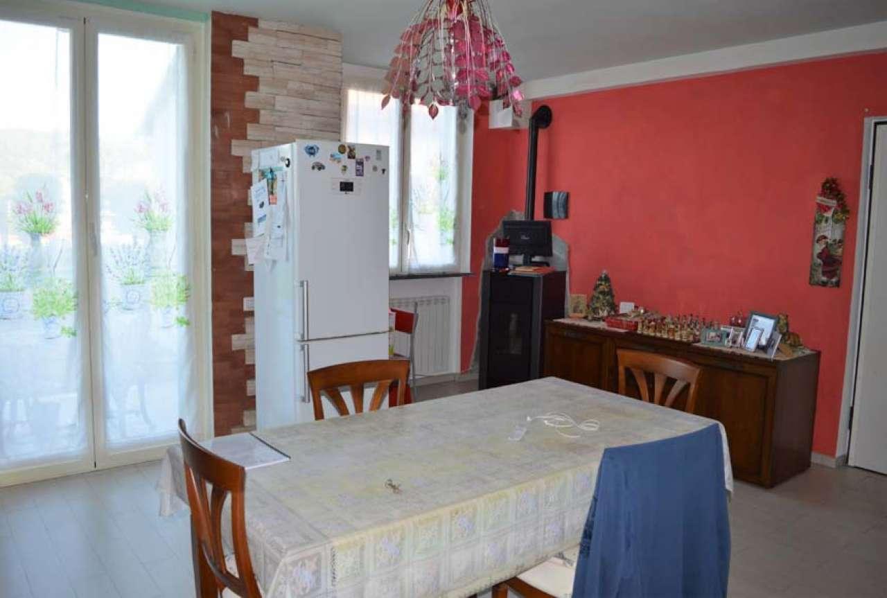 Appartamento in ottime condizioni in vendita Rif. 8373726