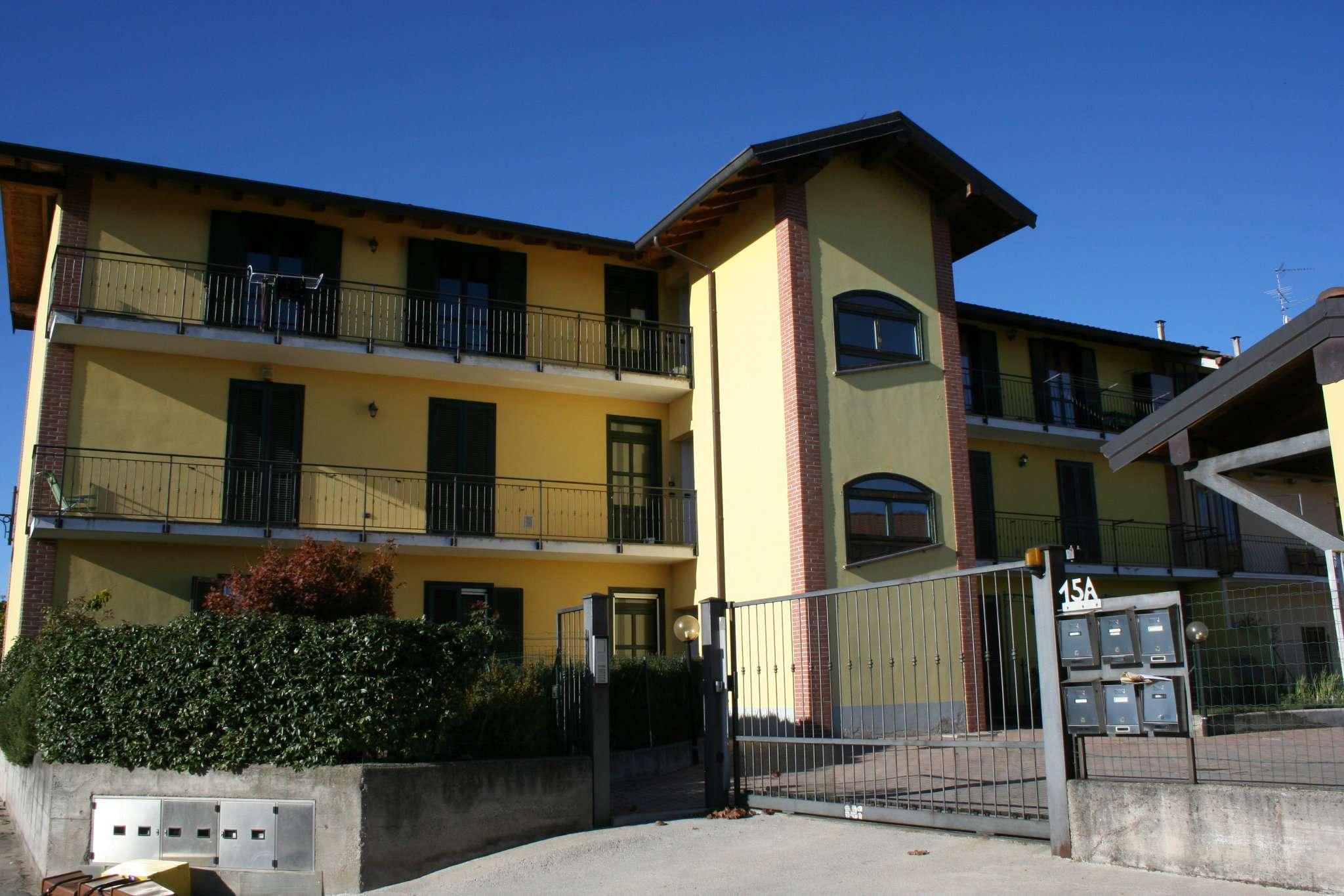 Appartamento in buone condizioni parzialmente arredato in vendita Rif. 5274334