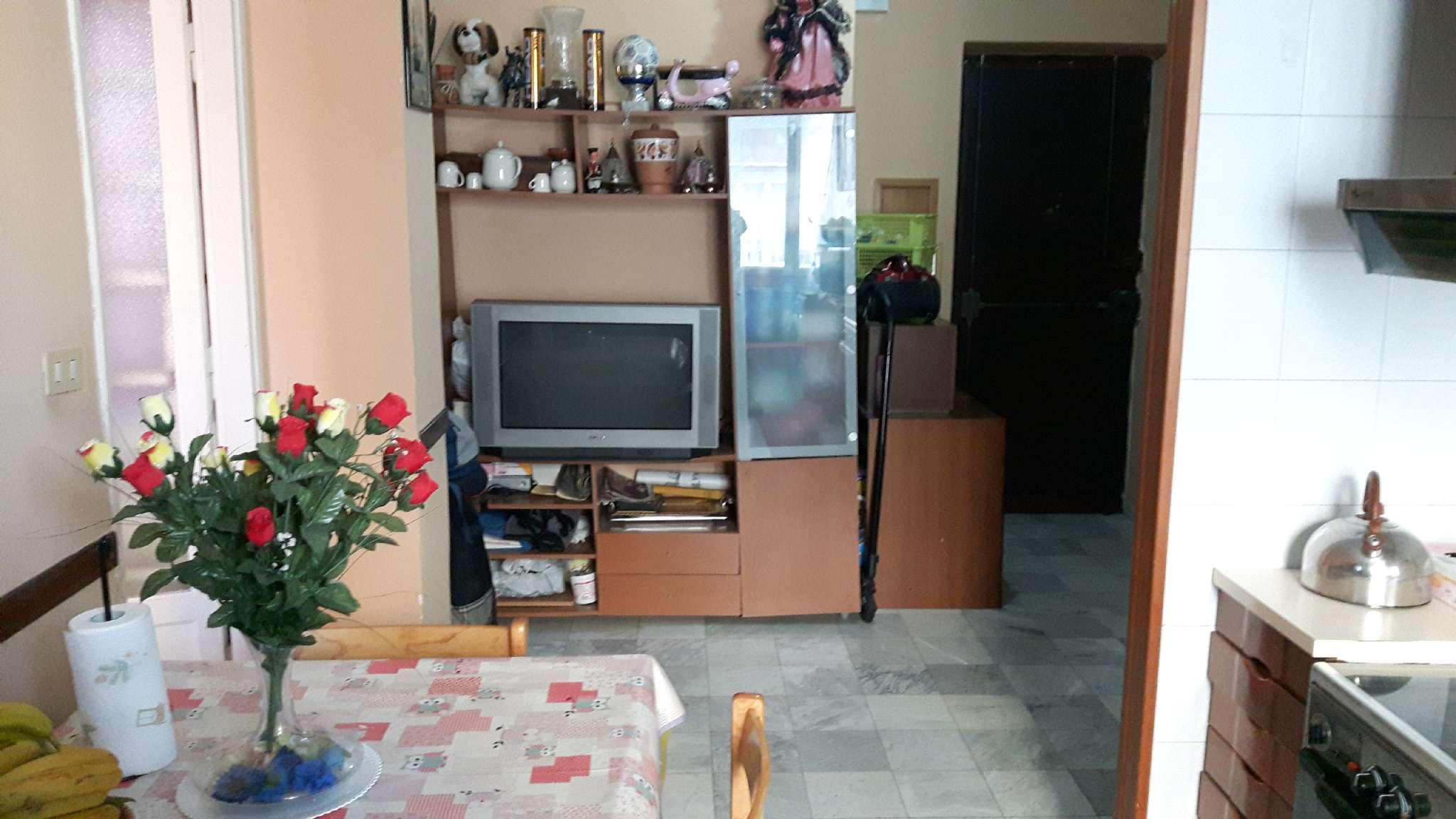 Bilocale vendita torino via francesco baracca for Bilocale arredato torino