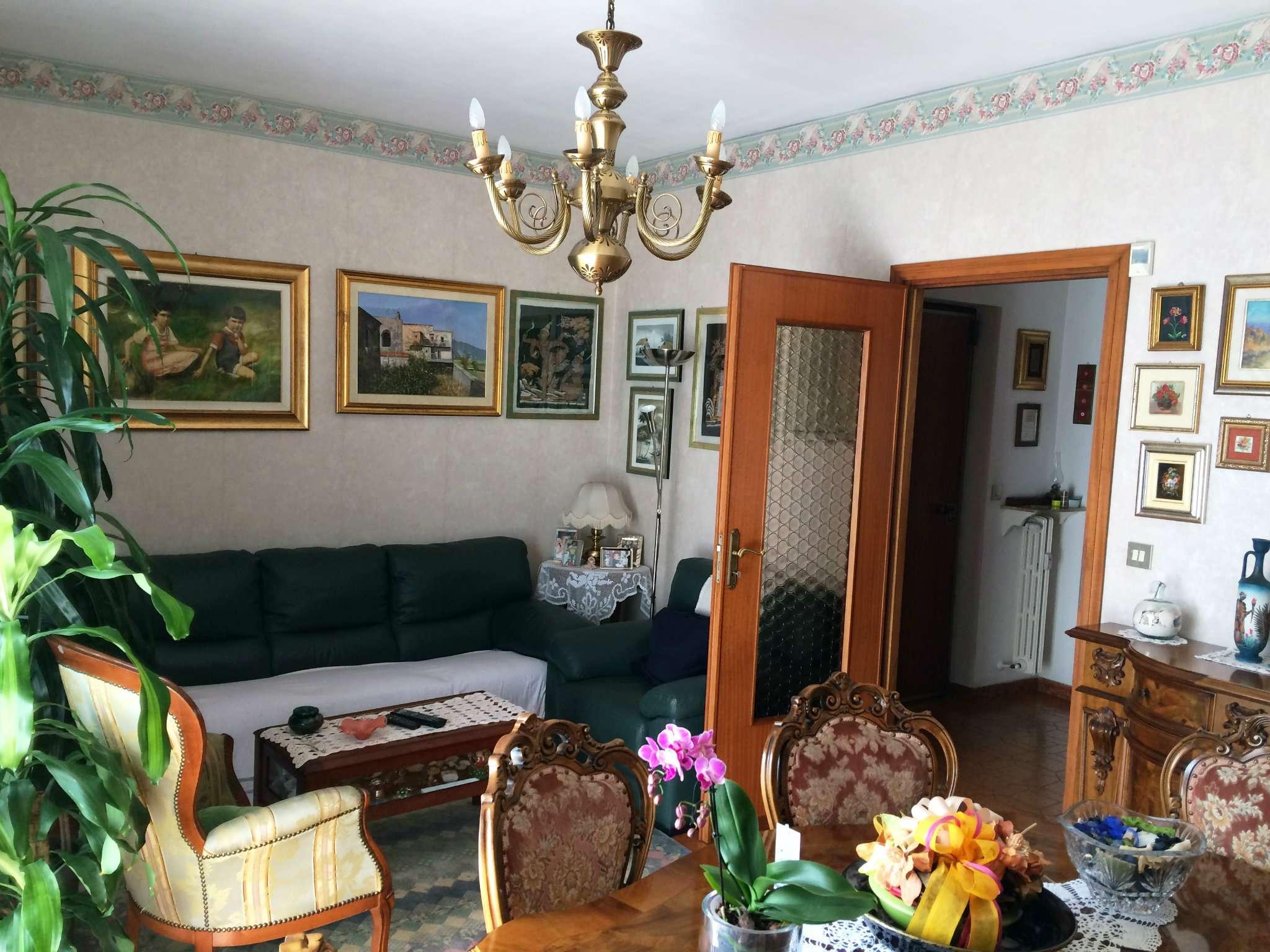 Appartamento in buone condizioni in vendita Rif. 6182582