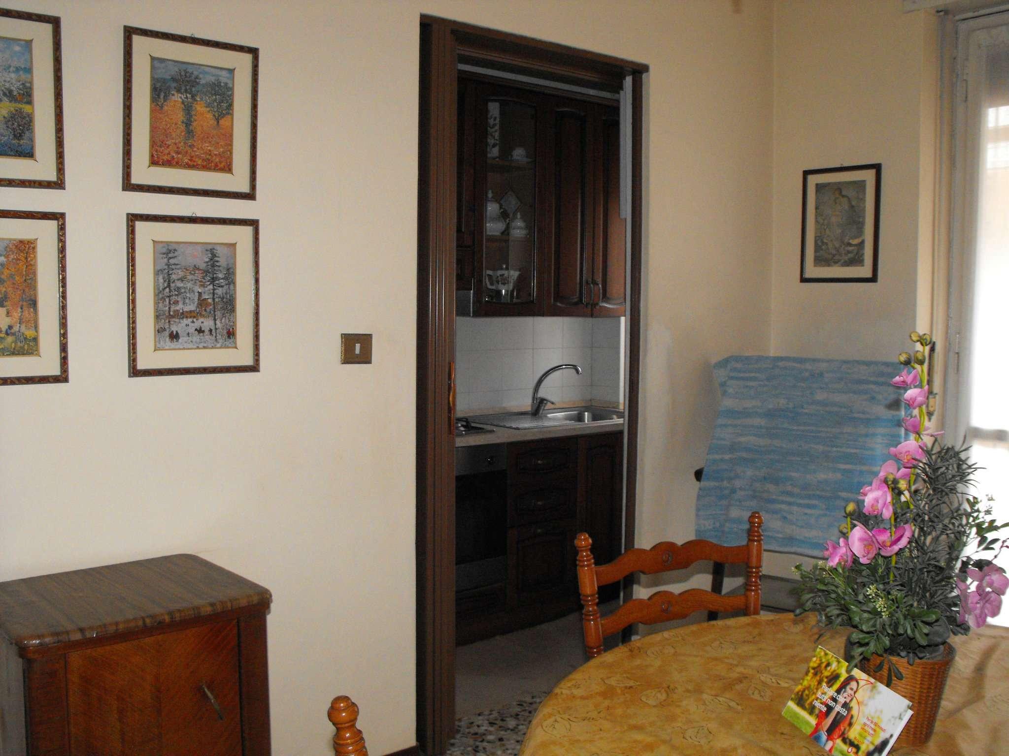 Bilocale Settimo Torinese Via Partigiani 2