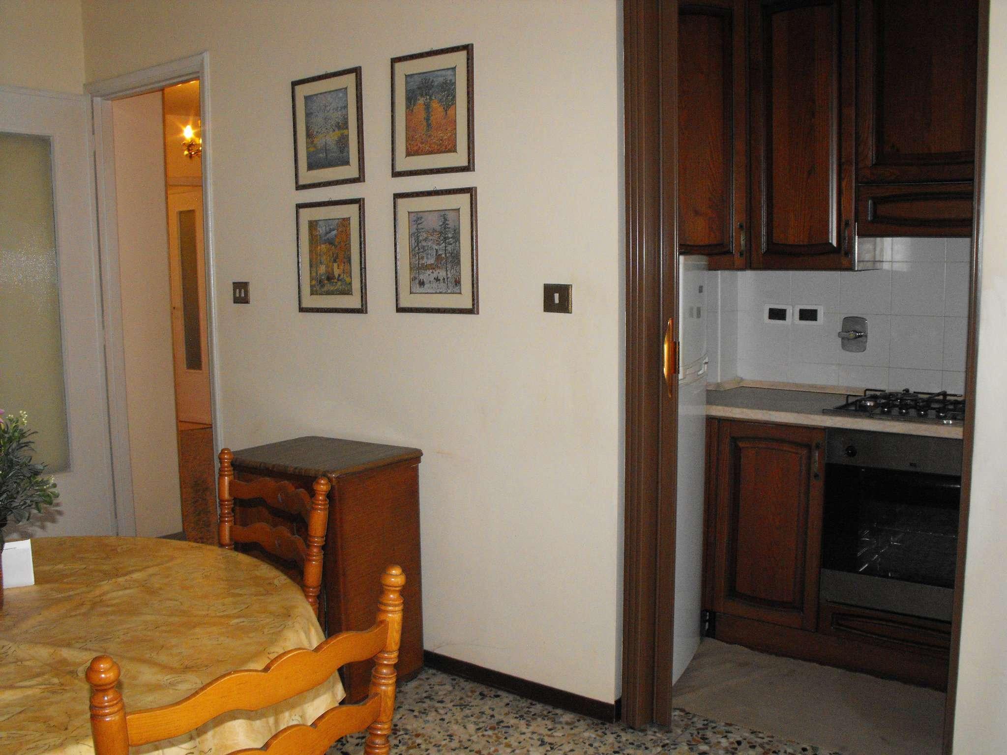 Bilocale Settimo Torinese Via Partigiani 3